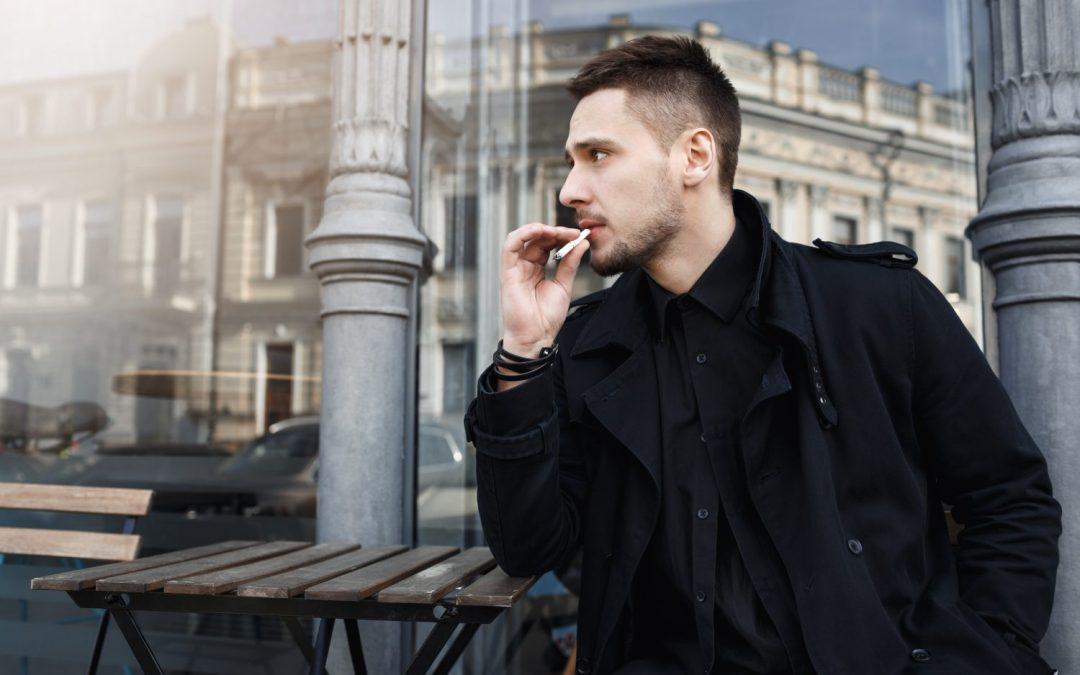 Fajčiari zaplatia za životné poistenie viac. Pre poisťovne sú rizikoví