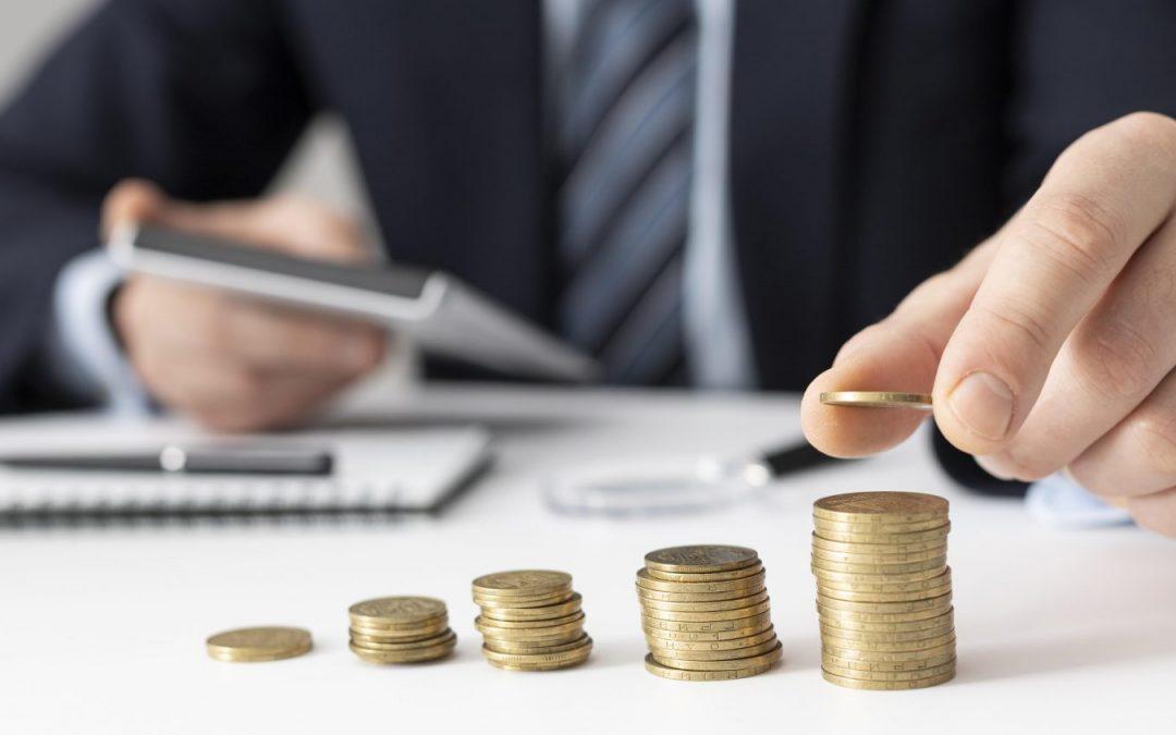UniCredit zrušila mesačný poplatok za účet. Novým klientom dá 40 eur