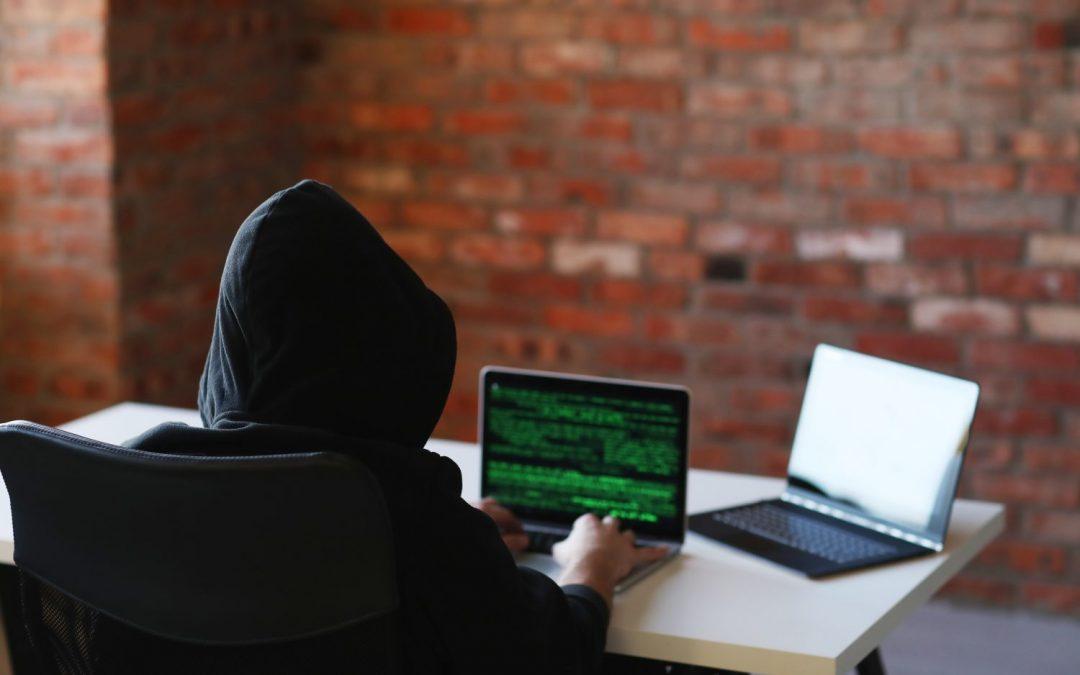 Podvodníci obľubujú online banky. Zakladajú si tu účty na cudzie meno