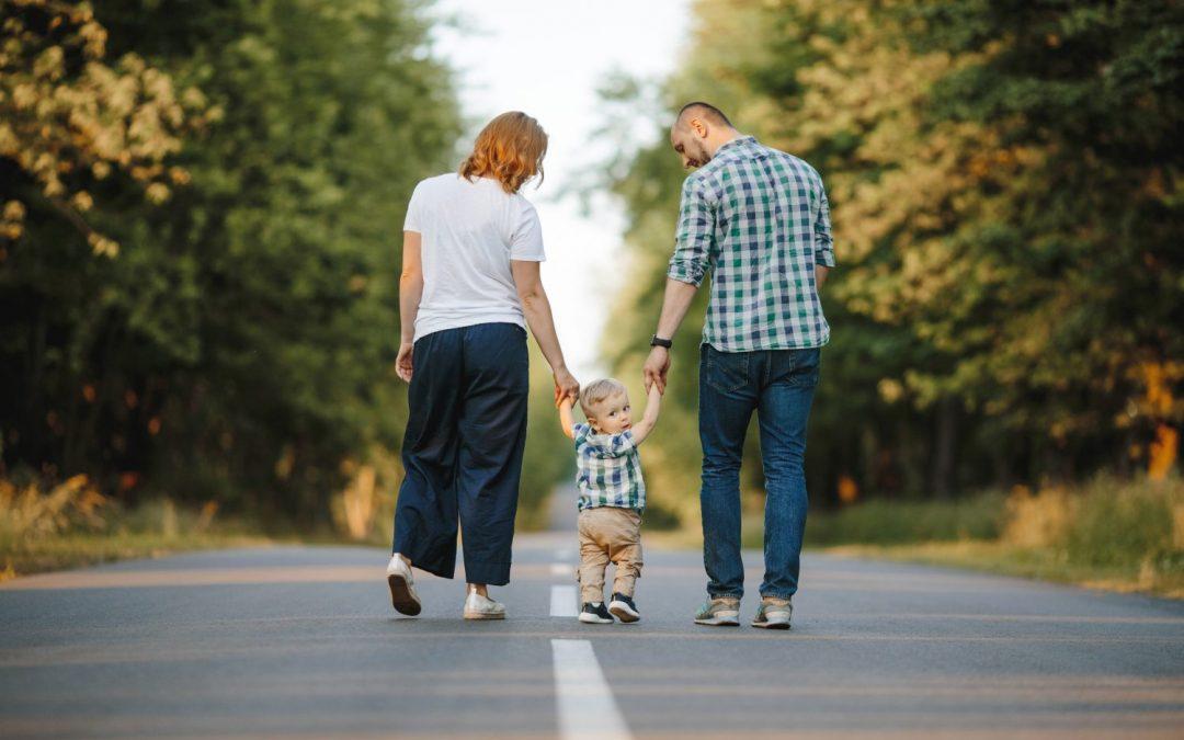 Rodinné prídavky od januára? Zvýšia sa len o pár centov, viac dostanú aj rodičia prvákov